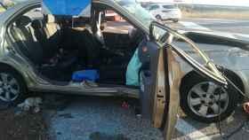 Así quedó uno de los vehículos implicados en el accidente. Foto: Twitter del Servicio Provincial de Bomberos Cuenca.