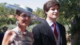 Belén Corsini y Carlos Fitz-James Stuart en la boda de María Corsini y Diego Osorio.