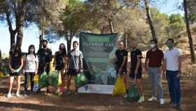 Voluntarios de Talavera recogen más de cien bolsas de basura en el Parque de los Pinos
