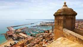 Puerto de Alicante desde el Castillo de Santa Bárbara.