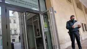 Entrada al edificio de la Audiencia Provincial de Alicante, en imagen de archivo.