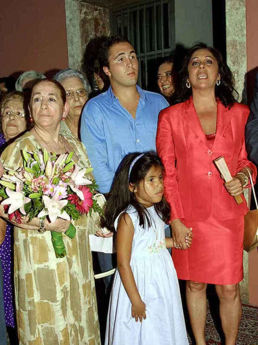 Ana Martín, Kiko Rivera, Isabel Pantoja e Isa P. en una imagen de archivo.