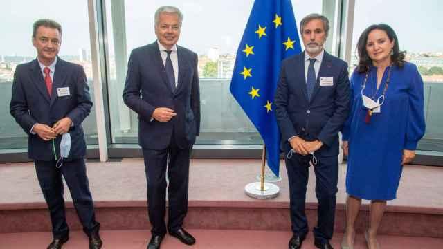 El comisario Didier Reynders, durante su reunión este lunes con los representantes de los jueces españoles