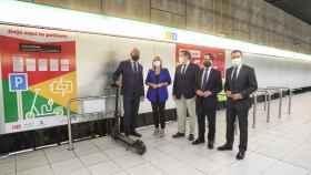 Aparcamiento de patinetes con punto de recarga en el metro de Málaga