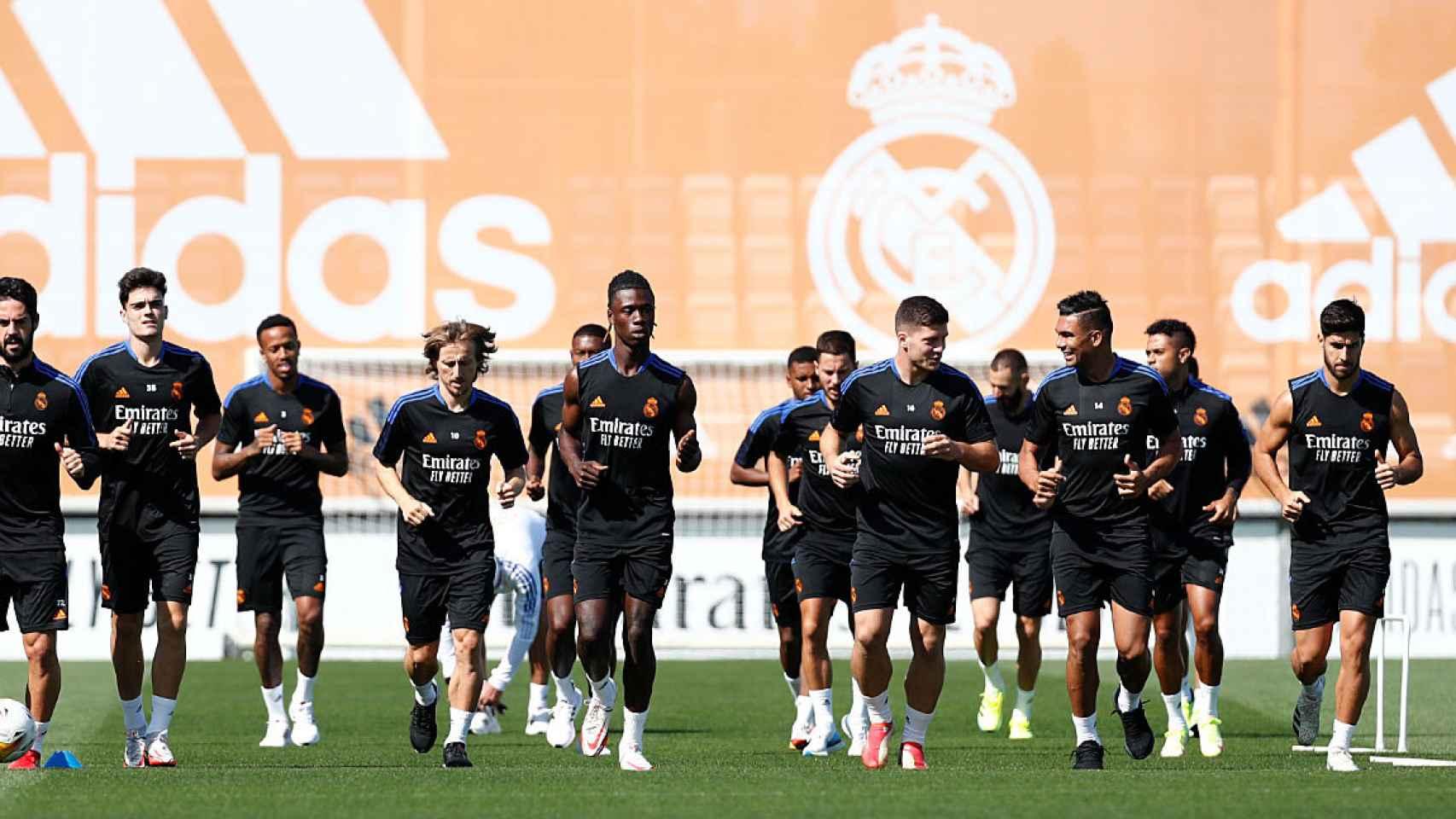La plantilla al completo durante un entrenamiento del Real Madrid