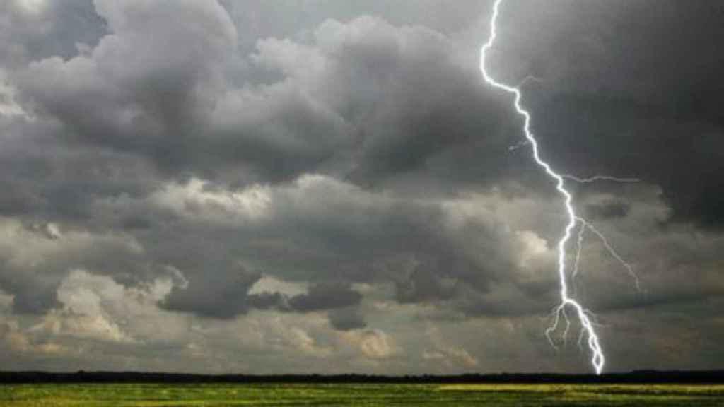 Alerta lluvias y fuertes vientos en Ávila y Salamanca
