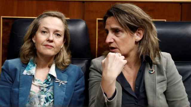 Calviño y Ribera exigen por escrito a Bruselas que adopte nuevas medidas para rebajar el precio de la luz