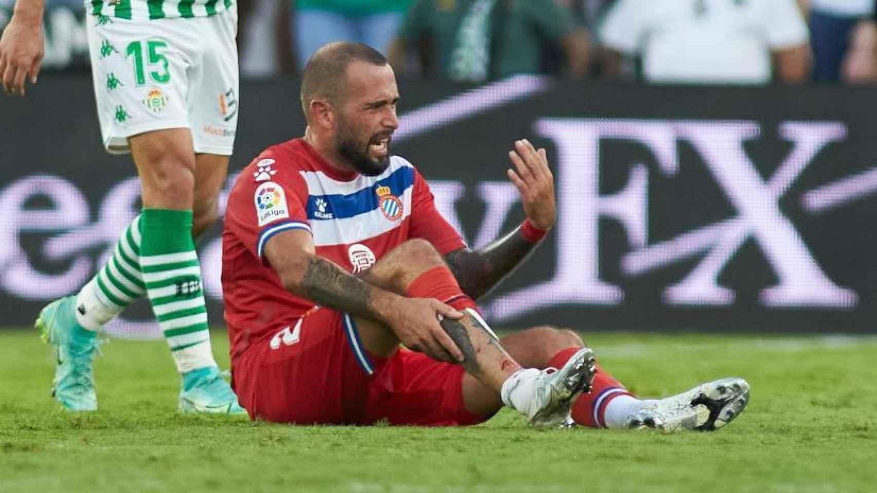 La terrible lesión de Aleix Vidal contra el Betis