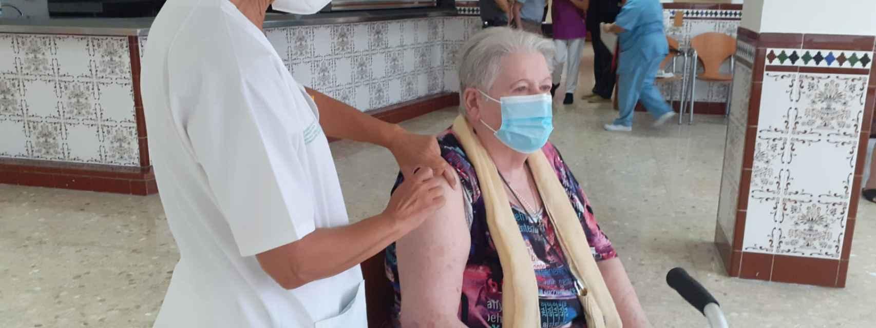 Tercera dosis de la vacuna en una residencia de mayores.