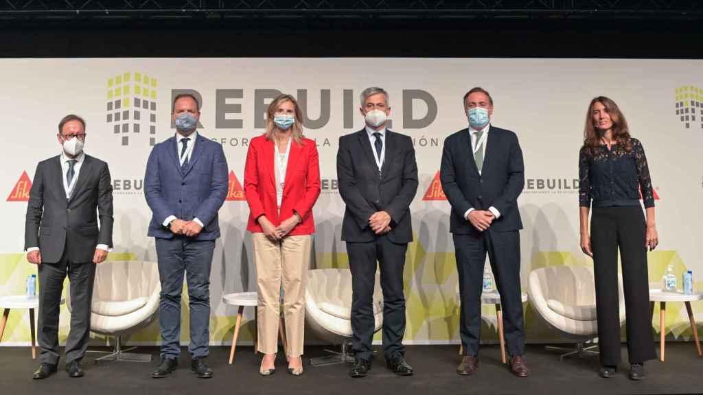Pedro Jauregui, Mariano Fuentes, Paloma Martín, Francisco David Lucas, David Martínez y Gema Traveria inauguran REBUILD 2021 - FOTO:  Rebuild