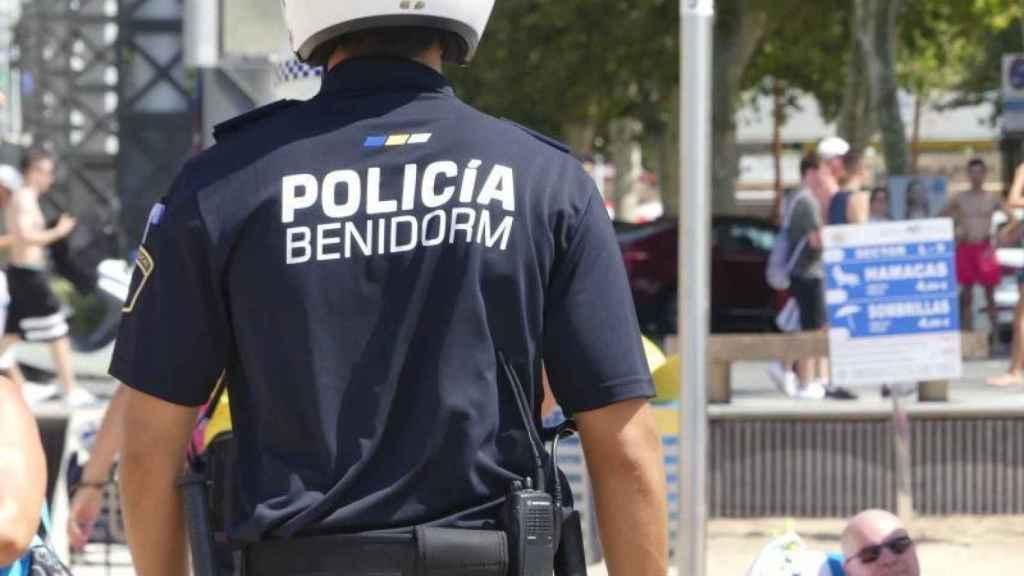 A juicio el jefe de Recursos Humanos de Benidorm por pasar las preguntas de una oposición: No lo conozco.