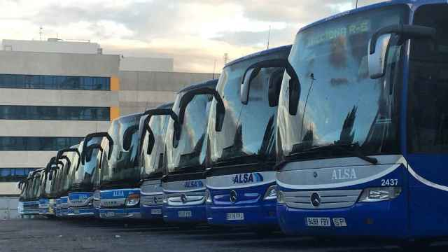 Madres y padres de la Marina Alta piden un autobús hasta Gandía para que sus hijos puedan estudiar