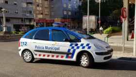 Un coche patrulla de la Policía Municipal de Zamora en la avenida Cardenal Cisneros