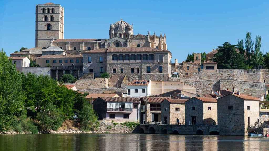 Vista de Zamora desde el río Duero