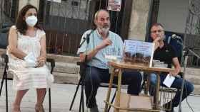 Presentación  en Bermillo Pilar Piorno (hija), Melquíades Prieto (editor) y Roberto Carlos Piorno (hijo)