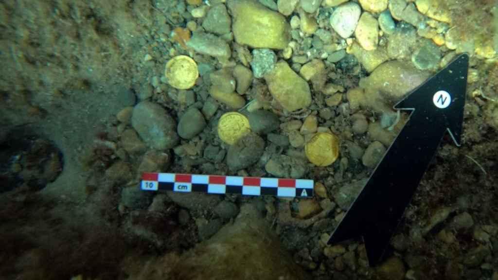Varias de las monedas romanas de oro recuperadas.