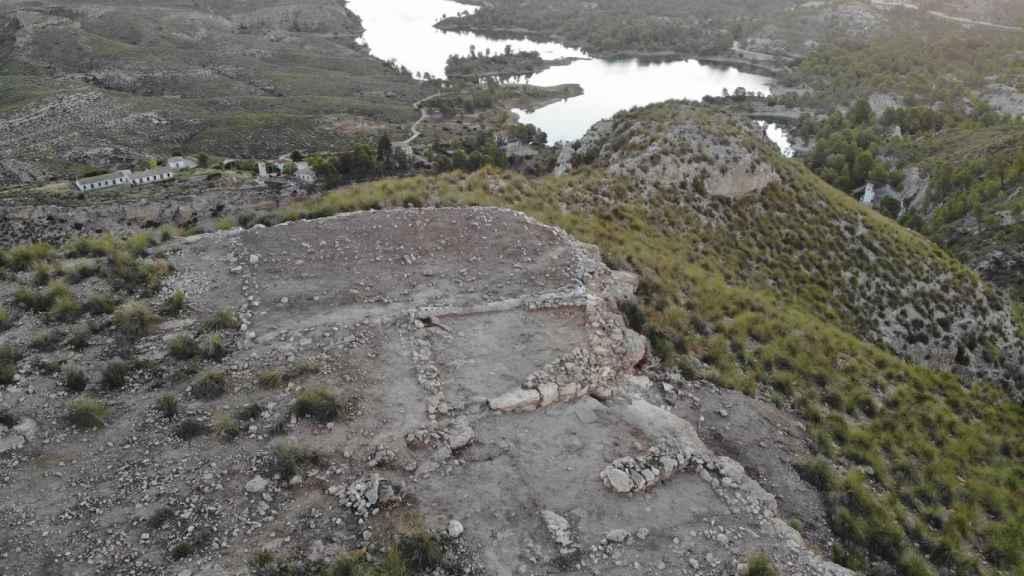 Investigadores de la UA descubren un gran almacén en el yacimiento protohistórico de Los Almadenes - Foto: UNIVERSIDAD DE ALICANTE