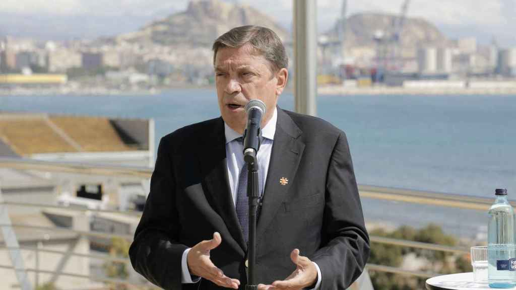 Planas dice en Alicante que ajustarán el trasvase en función de los caudales