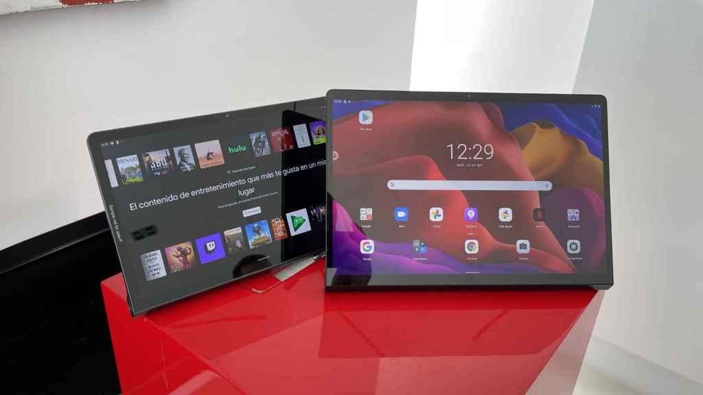 Nuevas Lenovo Yoga Tab 13 (derecha) y Tab 11 (izquierda).