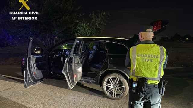 Dos detenidos por portar 960 plantas de marihuana y darse a la fuga de un control policial en Camarena (Toledo)