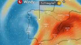 Detalle de Windy.com que indica las máximas de dióxido de azufre que sufrirá Zamora