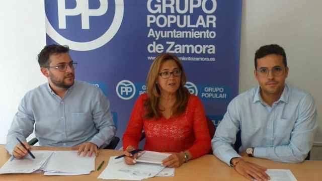 Los concejales del Partido Popular del Ayuntamiento de Zamora, Mayte Martín Pozo, David Ángel García y Víctor López de la Parte