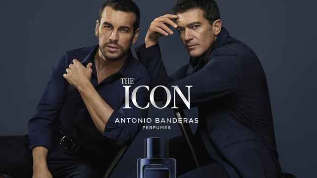 Mario Casas y Antonio Banderas en una imagen promocional.