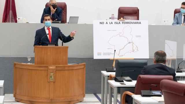 El consejero de Fomento de Murcia, José Manuel Díez de Revenga, en el Parlamento, este miércoles.