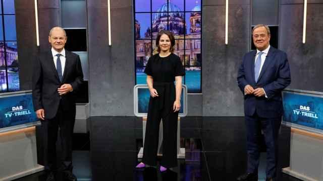 Los candidatos Olaf Scholz (SPD), Annalena Baerbokc (Verdes) y Armin Laschet (CDU), durante el último debate electoral