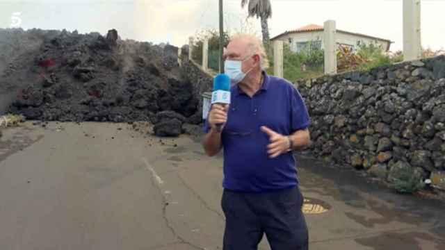 Pedro Piqueras durante la conexión en directo.