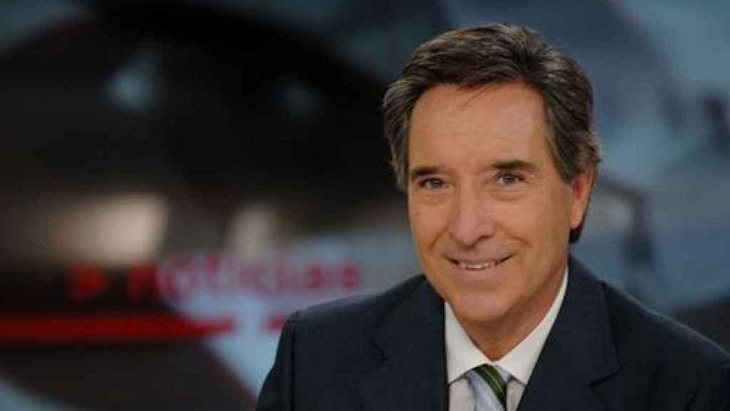 Iñaki Gabilondo al frente de Noticias Cuatro en 2005.