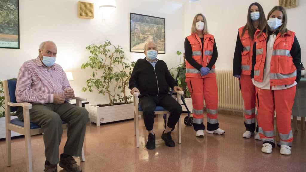 Inicio de la administración de las terceras dosis de la vacuna contra el COVID-19 en la Residencia de Mayores San Juan de Sahagún de Salamanca
