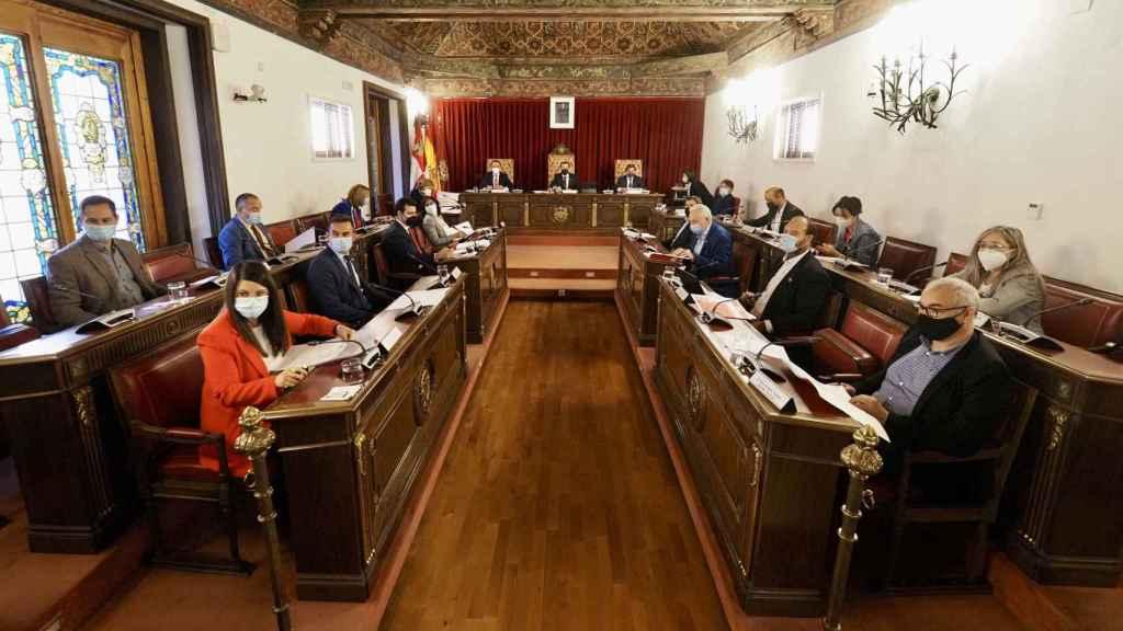 Celebración del primer pleno presencial en la Diputación de Valladolid