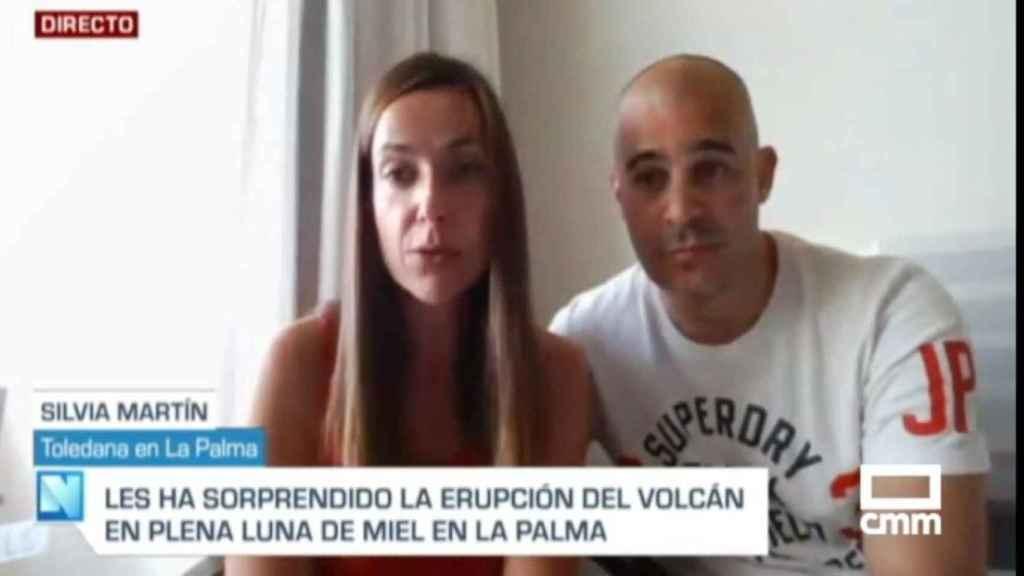Silvia Martín y Gustavo de Gispert, informando desde La Palma en su luna de miel