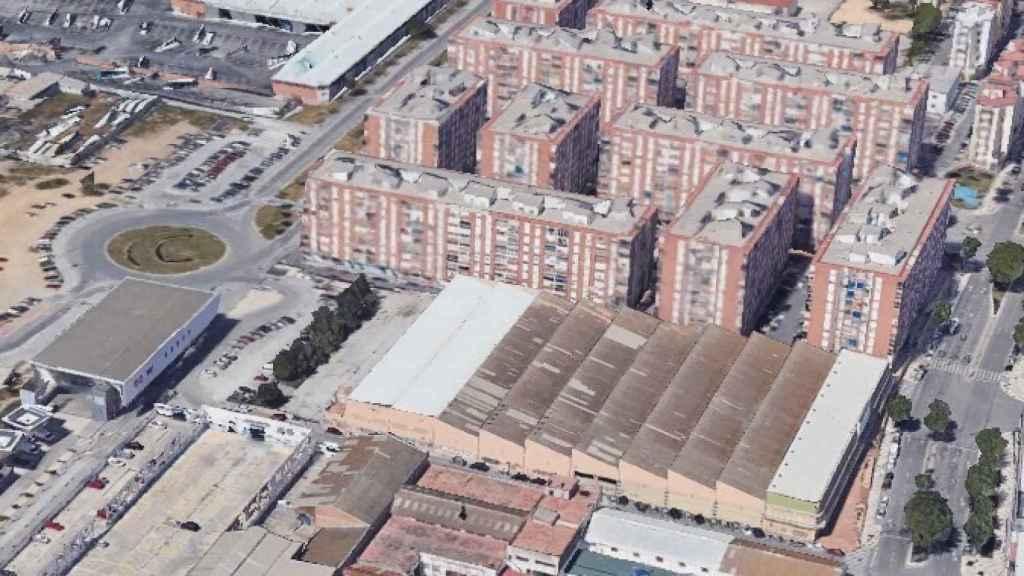 Vista de la parcela sobre la que se plantea el espacio comercial.