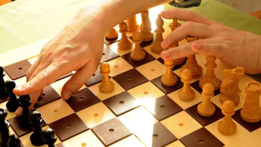 Tablero de ajedrez para ciegos.