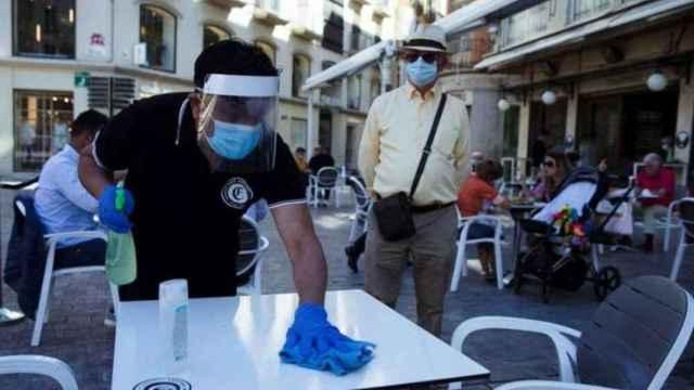 La hostelería de la Comunidad Valenciana denuncia que aún no han cobrado las ayudas: Es inconcebible.