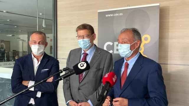 El president de la Generalitat, Ximo Puig, en el centro, junto con Salvador Navarro (derecha).