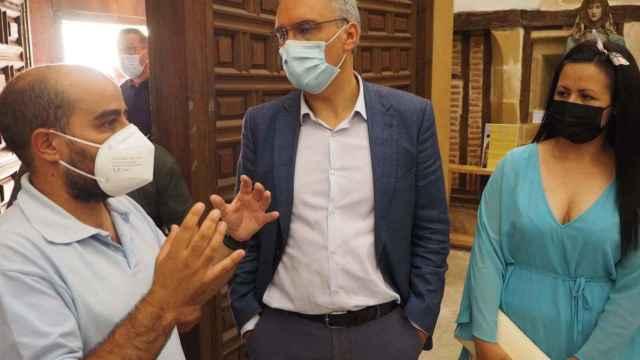 El alcalde de Fuentesaúco, Eduardo Folgado junto al delegado del Gobierno en Castilla y León, Javier Izquierdo