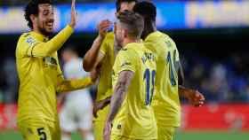 Los jugadores del Villarreal celebran un gol frente al Elche