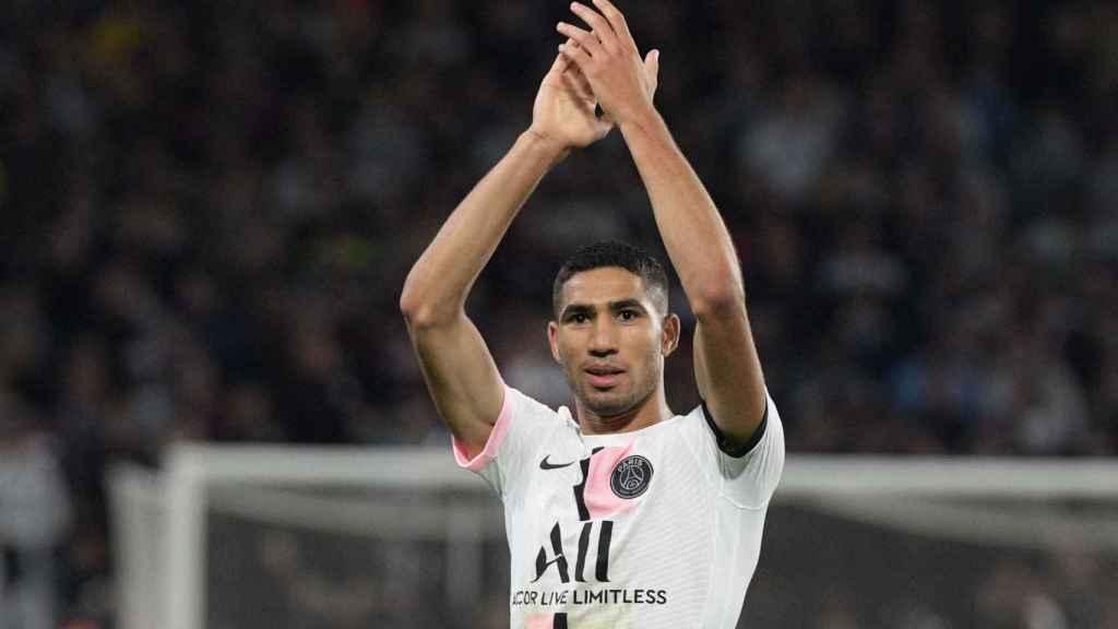 Achraf Hakimi, celebrando un gol con el PSG