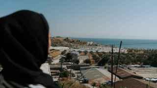 """De Moria a los campos-prisión: Mariam quiere que su hija """"juegue en un parque infantil"""""""