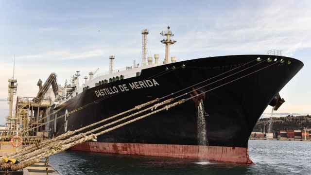 Naturgy realiza la primera entrega en Españade un cargamento de GNL neutro en carbono
