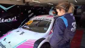 Una de las pilotos del Vitarti Girl's Team.