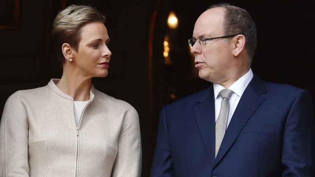 Ahora mismo a Charlène y Alberto II les distancian más de 12.000 kilómetros.