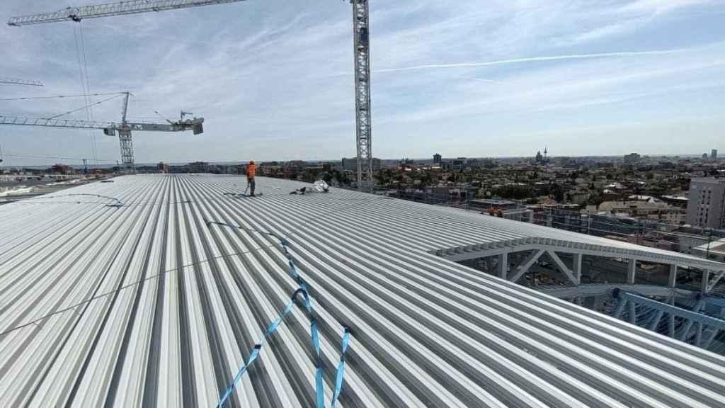El techado de la cubierta del Santiago Bernabéu, en septiembre de 2021