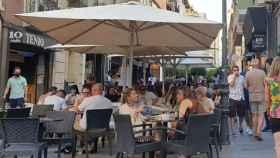 Terrazas en la calle Castaños de Alicante.