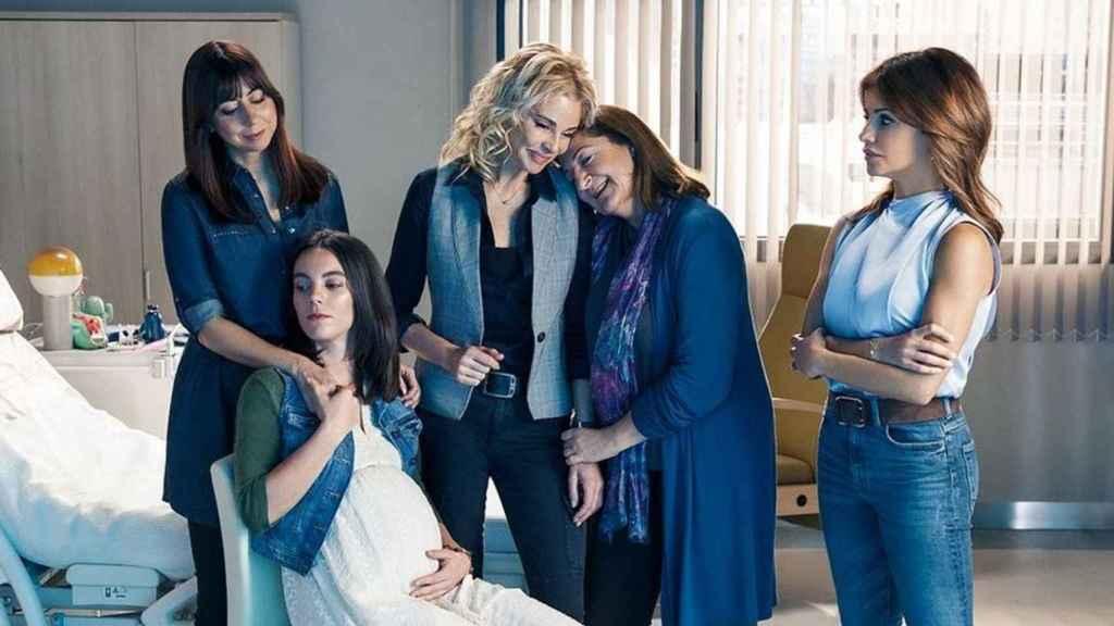 Telecinco vuelve a retirar 'Madres' del martes para intentar ganar las audiencias de septiembre