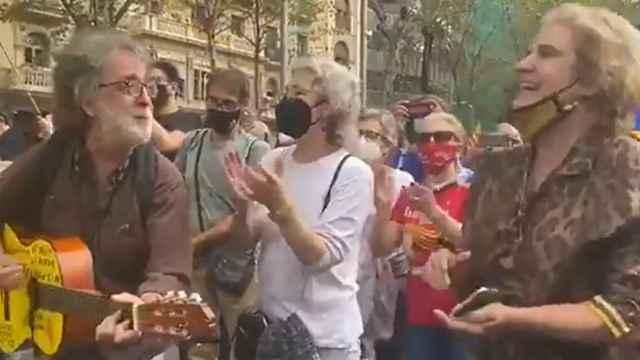Pilar Rahola, en las protestas contra la detención de Carles Puigdemont.