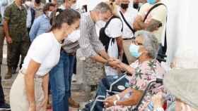 La reina Letizia, en su visita a los afectados por la erupción del volcán.